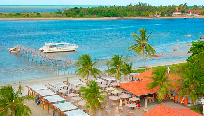 catamaran praia beach club